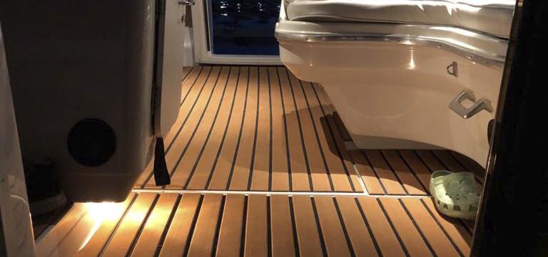 LineDeck-matot iltavalokuva lattia